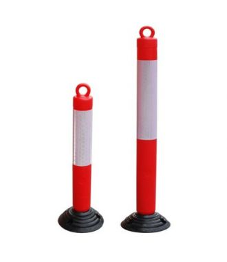 Flexible, self-aligning parking post with chain eyelet